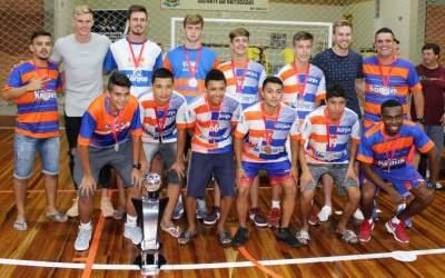 O time da Korpus Futsal com os goleiros Douglas e Ricardo Friedrich