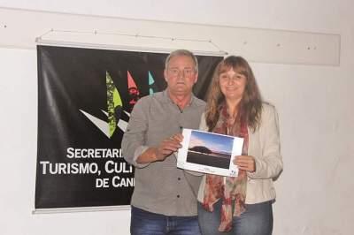 2º Lugar Solidão_ Camille Bertão representada pela mãe Viviane Lenz com o vice prefeito Nestor Ellwanger