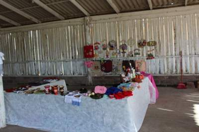 Grupos de artesanato expõe produtos