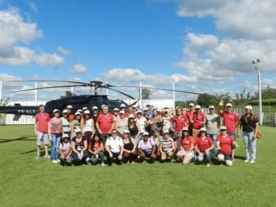 Colaboradores da Benoit com os clientes e convidados para os voos