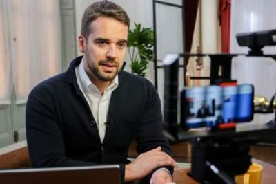 Eduardo Leite anuncia possível retorno às atividades escolares presenciais no Estado para julho
