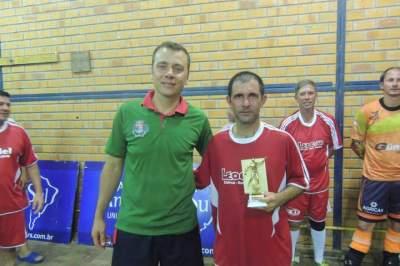 Daltro (D): goleador da categoria veterano