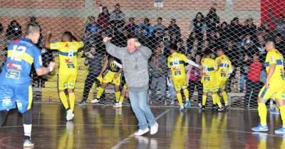 Ao final do jogo, atletas e integrantes da comissão técnica do Marvados comemoraram muito o empate
